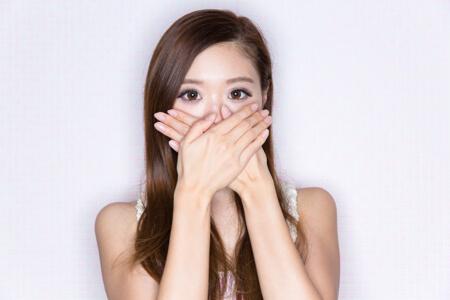 Um Mundgeruch und schlechten Atem zu verhindern, gibt es einige Tipps zu beachten, die dabei helfen, die Ursachen zu verhindern.